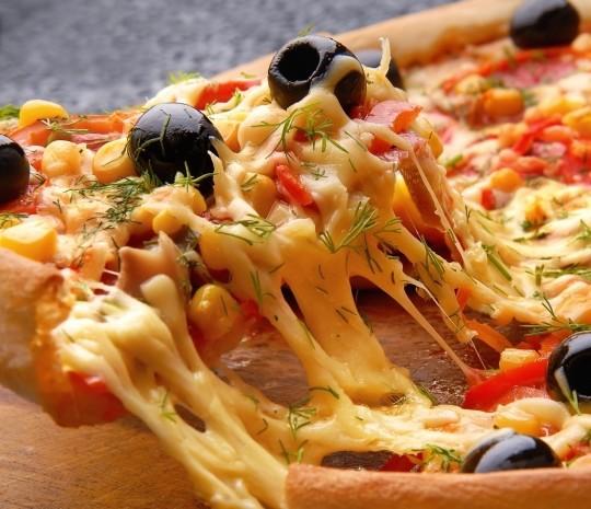 Приготовление вкусной домашней пиццы по лучшим рецептам
